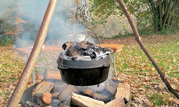 Outdoor Küche Aus Kleidung : Backen mit feuer in der outdoor küche veranstaltung ⊕ feuer leben